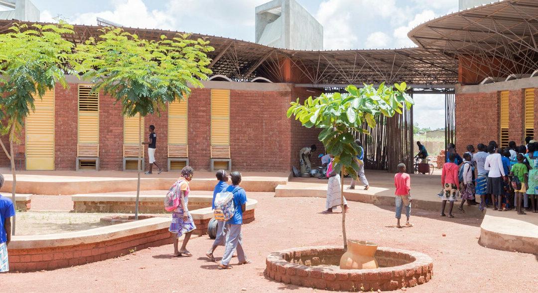 hep spendet Solaranlage für Bildungscampus in BurkinaFaso