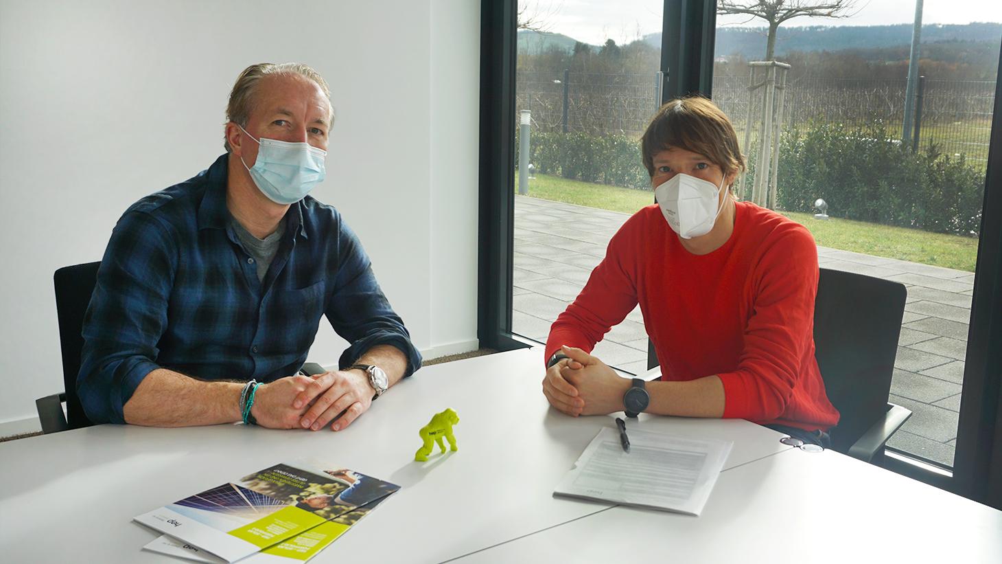 hep und Sebastian Kienle unterzeichnen die Vertragsverlängerung